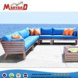 高品質の屋外の快適なファブリックによって装飾されるアルミニウムソファーの椅子の部門別の家具