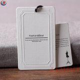 Diseño de moda de papel ropa de etiqueta para colgar la ropa