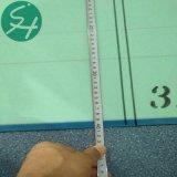 Formando la tela usada para producir la pulpa de la guarnición del papel de tarjeta