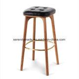 Comptoir en bois de style industriel tabouret avec rembourrage de siège