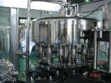 Полная бутилированная минеральная вода заполнения машины