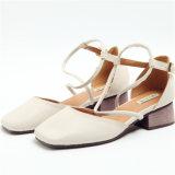 Neuer Entwurf der flache Mund höhlen heraus Dame Shoes aus