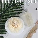 Schöner weißer runder keramischer Vase mit künstlicher Sola Blume für Hauptreeddiffuser- (zerstäuber)geschenk-Sets
