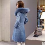 С капюшоном Shearling повелительницы и типа кожаный пальто овечки длиннего