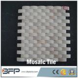 Mattonelle di mosaico di marmo di pietra naturali Polished di prezzi poco costosi sulla maglia