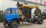 Dongfeng 6 바퀴 화물 선적 트럭은 팔 기중기를 접히는 5 톤으로 거치했다
