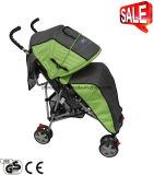 Chariot à bébé de poids léger avec la couverture de pied et la couverture de pluie