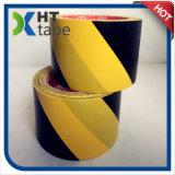 Nastro nero e giallo del PVC del pavimento