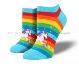 Regenbogen-Einhorn-Karikatur-Entwurfs-bequeme Knöchel-Socke