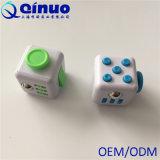 La tension éducative d'attention d'inquiétude de jouet de cube en personne remuante soulage le jouet de cube en personne remuante
