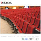 Orizeal reparou a cadeira do auditório (OZ-AD-075)