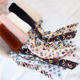 Dans la conception luxuriante du ruban de la fourrure épaisse Écharpe de soie Décoration chaleureuse