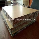 Panneaux en aluminium de nid d'abeilles de couleur en bois pour l'usage marin