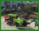 Mini trattore agricolo a quattro ruote poco costoso 12HP fatto in Cina