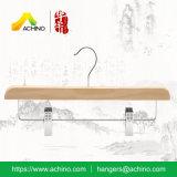 De houten Hangers van de Broek met Klemmen