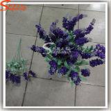 Seda artificial flores de la lavanda para la decoración casera en el ramo