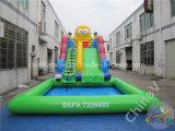 Trasparenza di acqua gonfiabile del fumetto con la piscina gigante