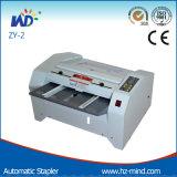 Nota proveedor profesional de la máquina de encuadernación Zy2 Grapadora automática