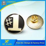 Distintivo dell'oro placcato figura in lega di zinco su ordinazione professionale della lettera del metallo con il prezzo più basso (XF-BG25)
