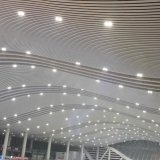 El rodillo de aluminio formó el techo linear con el peso ligero