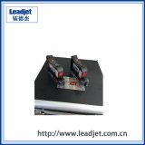 Grande stampante di getto di inchiostro tenuta in mano dello schermo di tocco dell'affissione a cristalli liquidi