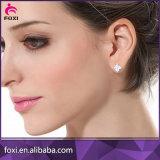 Boucle d'oreille de goujon de Zirconia de pente de D.C.A. pour des femmes