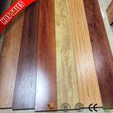 feuilles 12mm en stratifié de plancher de 8mm avec la surface gravée en relief par support