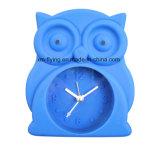 創造的なフクロウの形のホーム装飾の双生児の鐘の黙秘者のシリコーンの机の目覚し時計