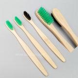 Toothbrush di bambù della setola libera del carbone di legna di Pba di figura della bambola di Matryoshka, imballato individualmente da Kraft Box