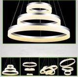 Weiß angestrichenes moderner Acrylkreis-hängendes Licht Oxd8815