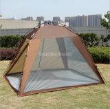 屋外のキャンプの4季節のテント、夏浜のテント