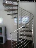現代流行の純木の踏面まっすぐな階段見開き図版のビームステアケースデザイン