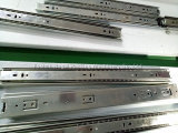Prix en aluminium universel de machine à emballer de flux de profil
