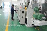 Máquina expulsando dos perfis plásticos/linha da extrusão