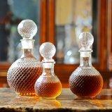 Bottiglia di vetro della sfera del diamante che conserva vino di cristalleria