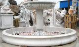 Im Freienskulptur-Stein-Brunnen