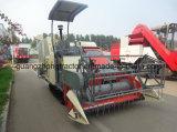 米のコンバイン収穫機