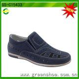 Zapatos vendedores calientes del nuevo estilo para los muchachos del niño