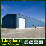 L'assistente tecnico di certificazione della BV pre fabbrica il magazzino/pianta del blocco per grafici d'acciaio