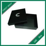 Boîte-cadeau de papier en deux pièces avec de la mousse noire