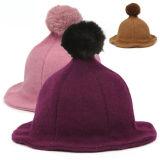 方法さまざまなカラー帽子の冬の帽子