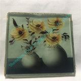 Elegante Arte de vidrio con hermosas flores en el interior