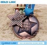 La médaille courante de chemin de médaille créatrice de marathon folâtre le souvenir