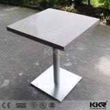 家具の正方形の白い固体表面のダイニングテーブルの食事