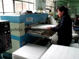 Сплетенный полипропилен кладет автомат для резки в мешки