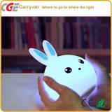 LED 책상용 램프 LED 점화 LED 빛이 다채로운 귀여운 토끼 LED LED 테이블 빛에 의하여, 실리콘 밤 점화한다