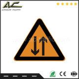삼각형 플라스틱 도로 사려깊은 교통 표지