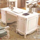 Tabella di legno dell'ufficio con lo scaffale per la mobilia del Ministero degli Interni