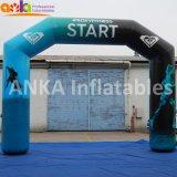 Publicidade Cava inflável com impressão digital para o evento desportivo terminar a linha de partida