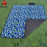 Изготовленный на заказ складные делают напечатанный приполюсный половик водостотьким пикника ватки